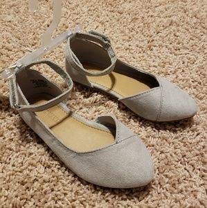 Old Navy flats, 8c, NEW